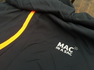 Die MAC in a SAC Ultra Regenjacke im Test